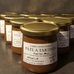 Pâte à tartiner au chocolat Côte d'Or et noisettes
