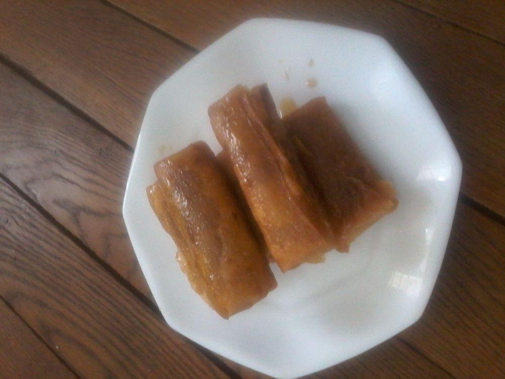 Cigares fourrés aux amandes et au miel