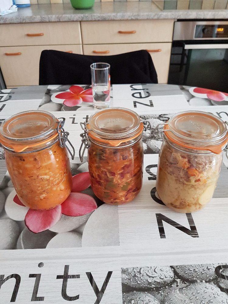 Bocaux de choucroute, cassoulet et chili con carne fait maison