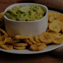 Plantain-Chips et Guacamole-